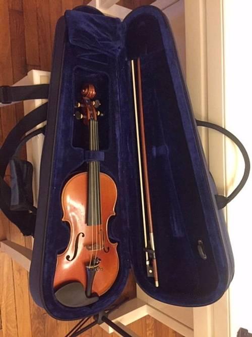 Joli violon trois-quarts