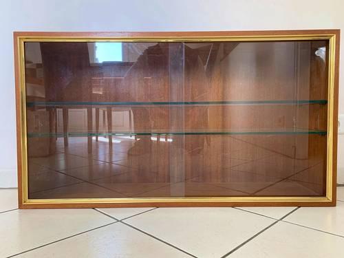 Vitrine murale, portes et étagères en verre, meuble en bois