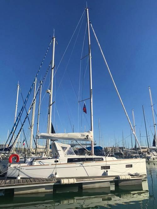 Loue voilier Oceanis 38.1La Rochelle (17) 4-6couchages